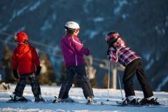 Kinder Skifahren